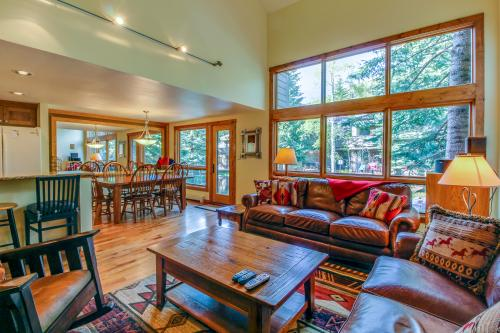 Alpine Family Retreat  -  Vacation Rental - Photo 1