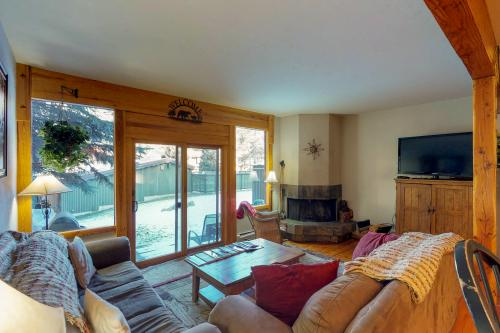 Bearskin Lodge -  Vacation Rental - Photo 1