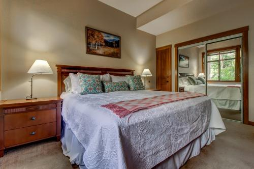 Powderhorn Lodge 102: Sego Lily Suite - Solitude, UT Vacation Rental