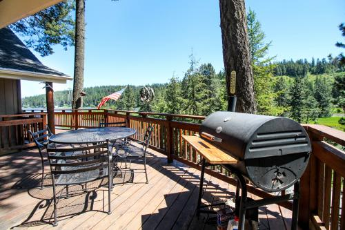 Cozy Kidd Island Bay Retreat - Coeur d'Alene, ID Vacation Rental