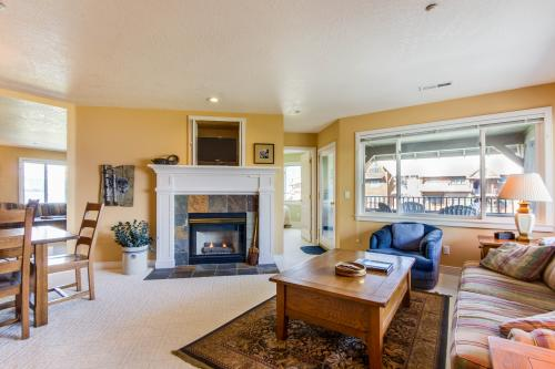Marina Vista (B201) - Harrison, ID Vacation Rental