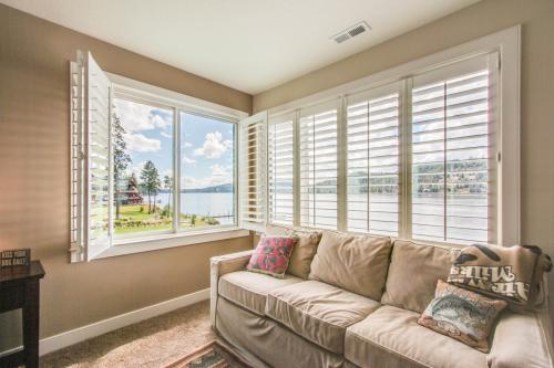 Lakeside Coeur d'Alene Retreat -  Vacation Rental - Photo 1