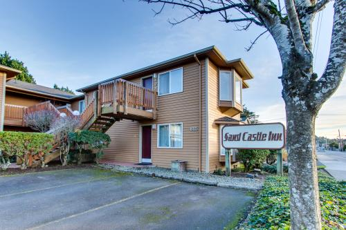 Sandcastle: Violet Suite (#606) - Cannon Beach Vacation Rental