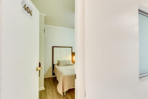 Hotel Costa Marfil Prat 404 -  Vacation Rental - Photo 1