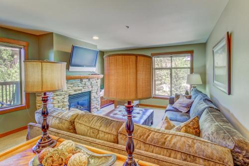 Powderhorn Lodge 210: Blazing Star Suite -  Vacation Rental - Photo 1