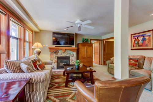 Eagle Springs East 307: Primrose Suite - Solitude, UT Vacation Rental