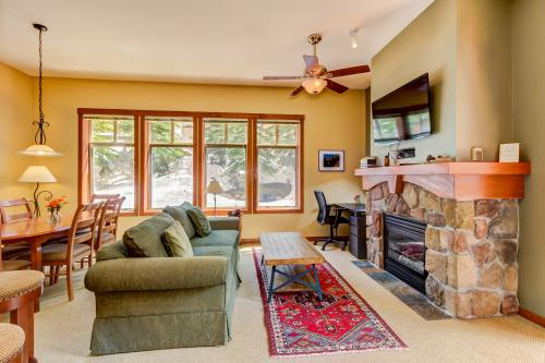 Eagle Springs East 106: Mountain Sun Suite -  Vacation Rental - Photo 1