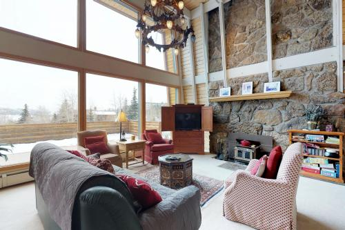 Dillon's Best Nest Main House -  Vacation Rental - Photo 1