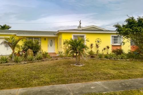 Blue Water -  Vacation Rental - Photo 1
