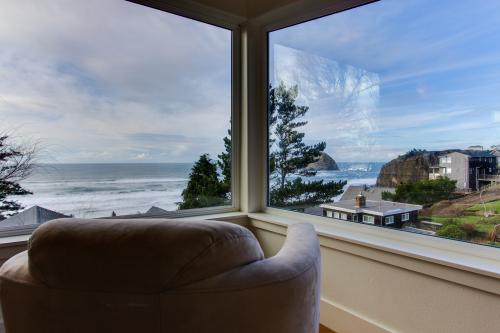 Three Capes Luxury Oceanside Beach House - Oceanside, OR Vacation Rental