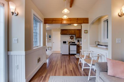 The Strand Oceanview Studio - Rockaway Beach, OR Vacation Rental