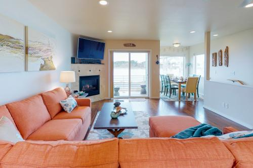 Yaquina Bay Beauty II -  Vacation Rental - Photo 1