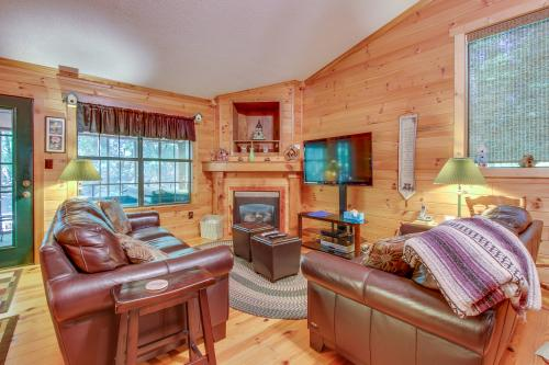 Deer Hollow Cabin - Sautee Nacoochee, GA Vacation Rental