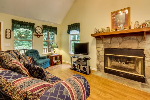 Laurel Creek Cabin - Helen, GA Vacation Rental