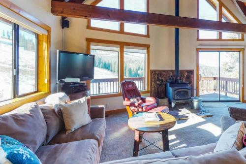 Skislope Lodge - Truckee, CA Vacation Rental