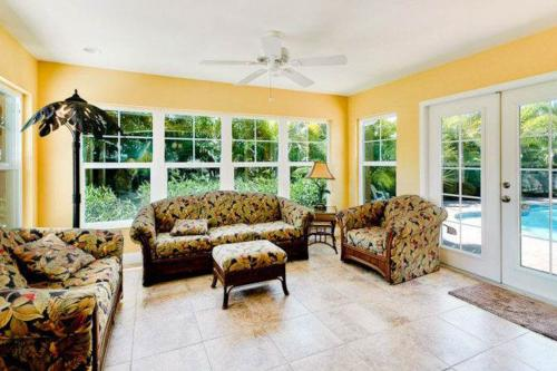 Pretty Palms -  Vacation Rental - Photo 1