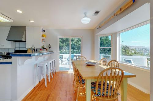 Seaside Strolls - Cayucos, CA Vacation Rental