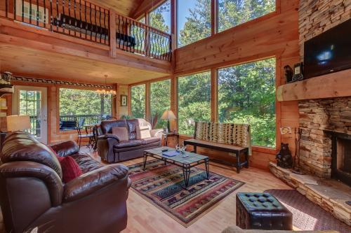 Unforgettable Cabin - Sautee Nacoochee, GA Vacation Rental
