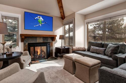 Style on the Slopes -  Vacation Rental - Photo 1