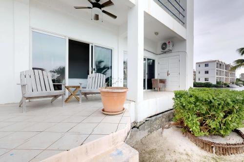 Suite F101 @Mara Laguna - San Pedro, Belize Vacation Rental