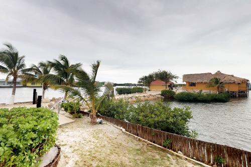 Suite F101 @Mara Laguna -  Vacation Rental - Photo 1