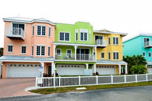 South Beach Village 111 - Bradenton Beach, FL Vacation Rental