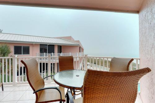 Anna Maria Island Club 40 - Bradenton Beach, FL Vacation Rental