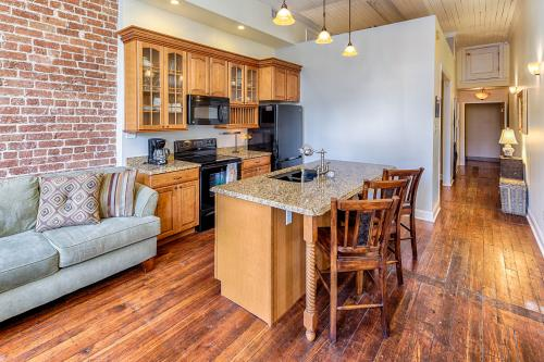 Savannah Serendipity  - Savannah, GA Vacation Rental