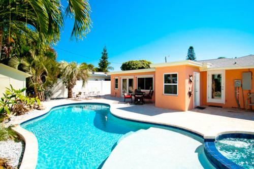 Tropical Oasis -  Vacation Rental - Photo 1