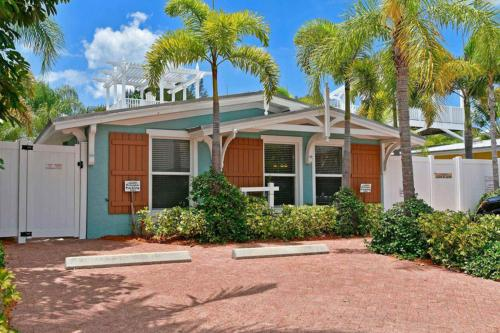 Palm Isle Village 3204 -  Vacation Rental - Photo 1