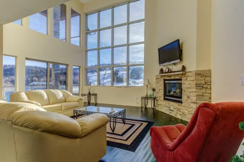Steps to the Slopes -  Vacation Rental - Photo 1