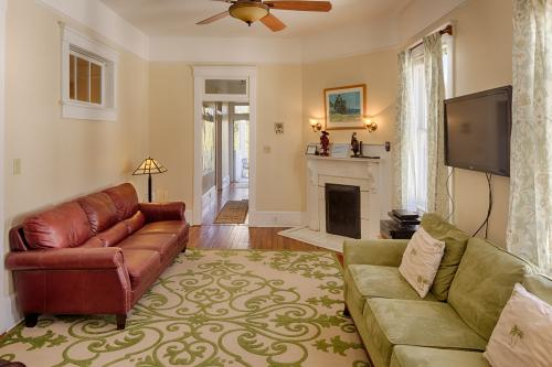 Forsyth on the Green  - Savannah, GA Vacation Rental