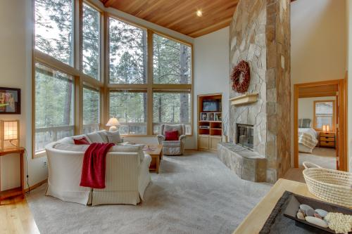 25 Topflite Ln - Sunriver, OR Vacation Rental
