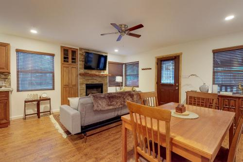 Jaybird Big Bear -  Vacation Rental - Photo 1