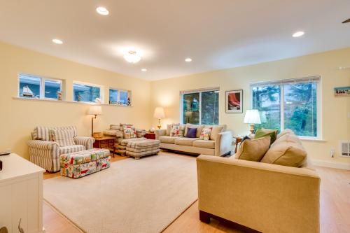 The Big Family Beach House -  Vacation Rental - Photo 1