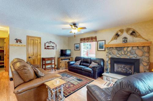 Saxon Creek -  Vacation Rental - Photo 1