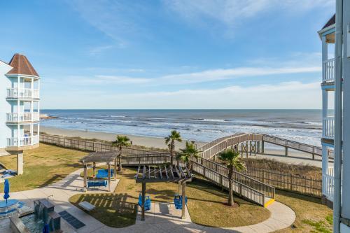 Serene Shores  -  Vacation Rental - Photo 1