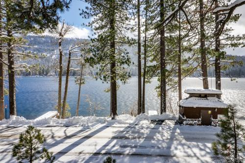 Donner Lake Dream Cabin - Truckee, CA Vacation Rental