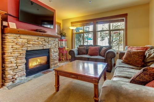 Powderhorn Lodge: 202 -  Vacation Rental - Photo 1