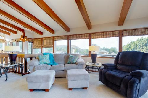 Cliffside Retreat -  Vacation Rental - Photo 1