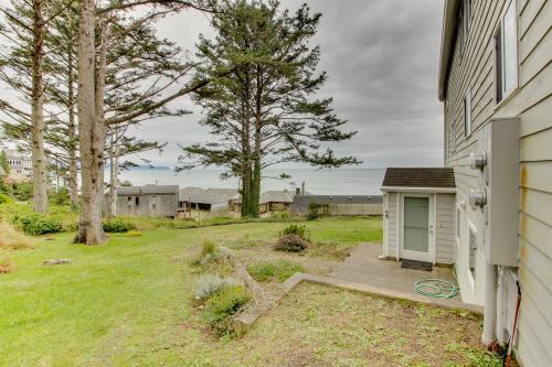 Hale Kaalawai Unit B -  Vacation Rental - Photo 1
