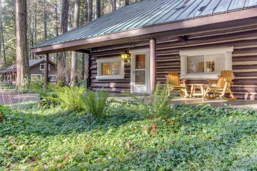 Renee's Log House -  Vacation Rental - Photo 1