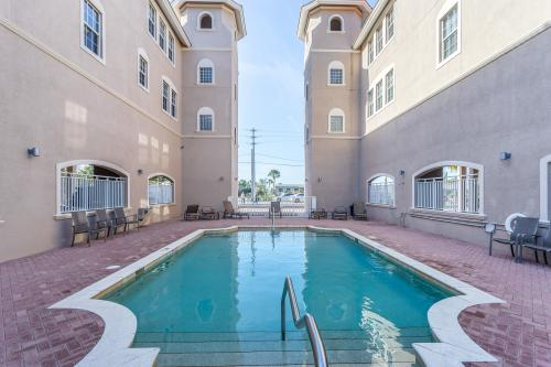 Jazzy Pelican - Fort Myers Beach, FL Vacation Rental