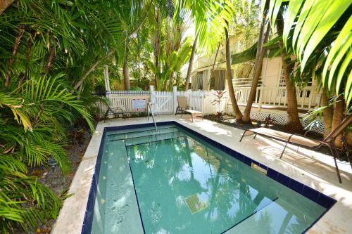 Flamingo Hideaway -  Vacation Rental - Photo 1