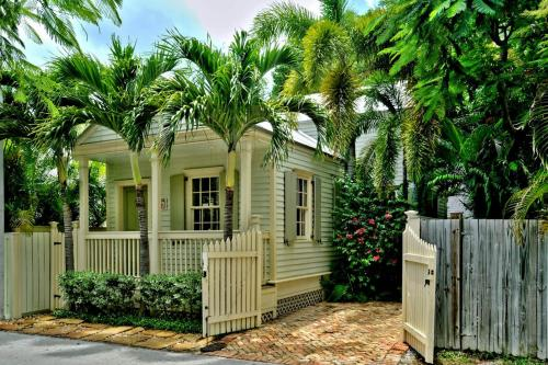 Fishtail Hideaway -  Vacation Rental - Photo 1