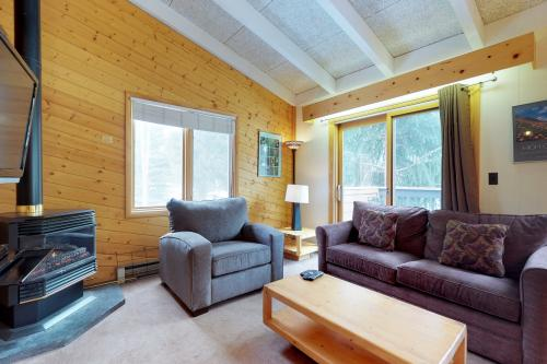 Cozy Keystone Condo -  Vacation Rental - Photo 1