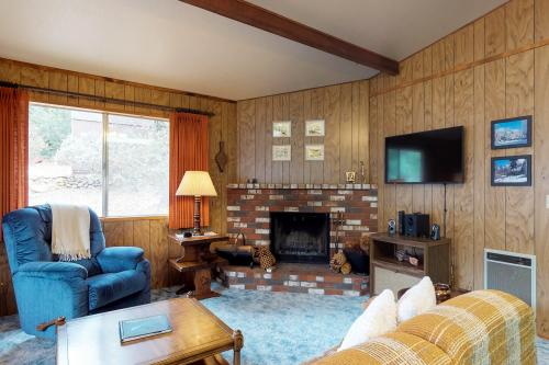 Tahquitz Chalet -  Vacation Rental - Photo 1