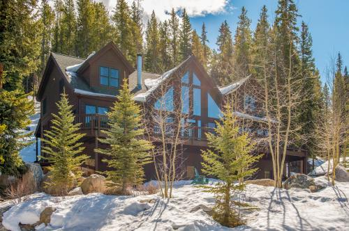 this hot at vacation the mountains cabin w breckenridge views village mtn stay escape of tub to and cabins rental quandary rustic