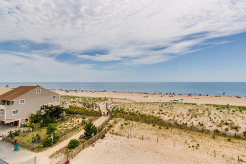 Breakaway East -  Vacation Rental - Photo 1