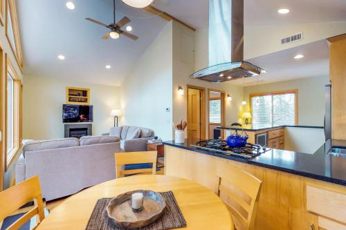 Tahoe City Treasure -  Vacation Rental - Photo 1